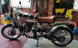 Brough Superior SS100-side